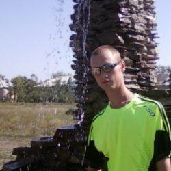 Парень, ищу девушку для минета в Хабаровске