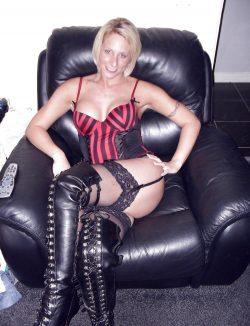 Я горячая, игривая девушка. Хочу встретиться с мужчиной в Хабаровске для божественного секса.